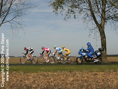 Early breakaway in the 2006 Paris-Tours