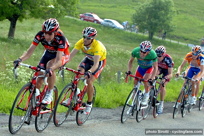 2008 Dauphine Libere:  Alejandro Valverde in yellow followed by Levi Leipheimer in green and Cadel Evans during Stage 4