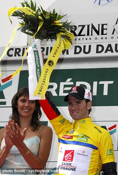 2008 Dauphine Libere, Stage 5:  Hostess Nelly Thevenet with Alejandro Valverde on podium