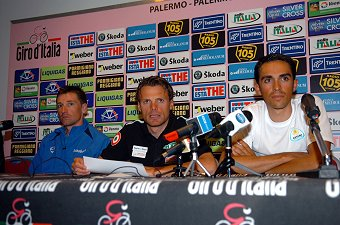 2008 Tour of Italy press conference: Menchov, Di Luca and Contador field questions