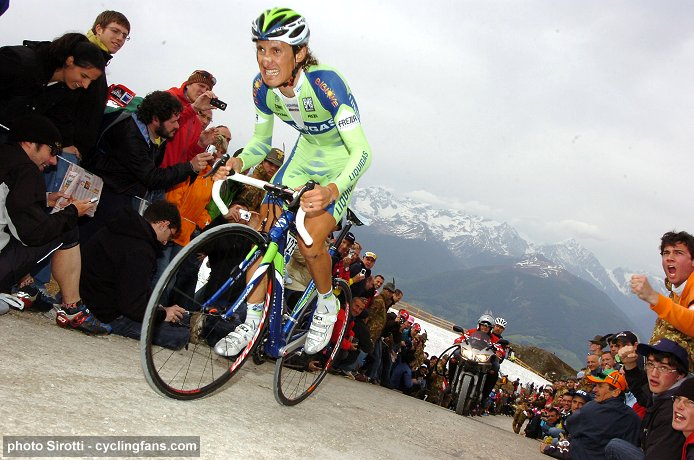 2008 Tour of Italy, Stage 16:  Franco Pellizotti (Liquigas) on his way to winning the Plan de Corones Mountain Time Trial
