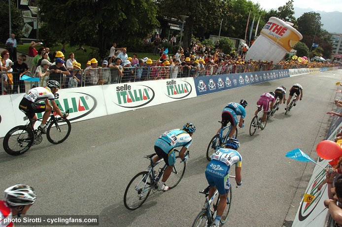 2008 Tour of Italy: Andre Greipel (Team High Road) leads out teammate Mark Cavendish near the 100m marker in Stage 17