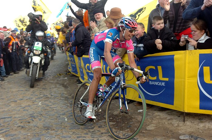 2008 Paris-Roubaix: Alessandro Ballan (Lampre) on the cobblestones