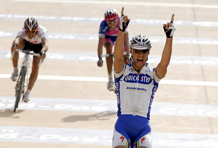 Tom Boonen wins the 2008 Paris-Roubaix ahead of Fabian Cancellara and Alessandro Ballan