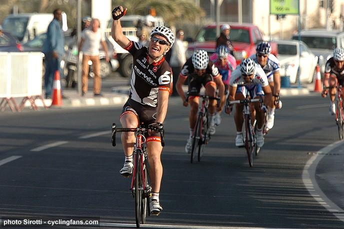 Temporada 2010 2009_tour_of_qatar_stage2_roger_hammond_cervelo_testteam_wins