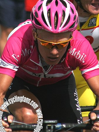 Alexandre Vinokourov used the SRM System on Mont Ventoux