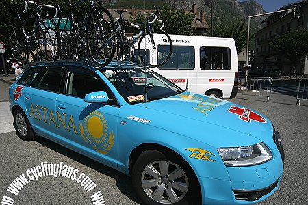 Astana-Wurth team car at the 2006 Dauphine Libere