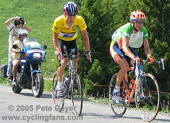 Lance Armstrong and Iban Mayo on the Col de la Ramaz