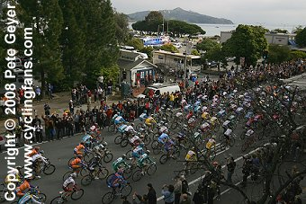 The peloton in Sausalito, 2008 Tour of California